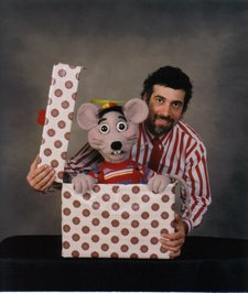 ventriloquist bob abdou dare to be different 01