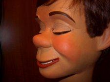 Hartz face closeup 003
