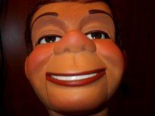 Hartz face closeup 006