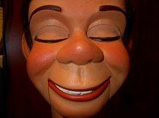 Hartz face closeup 009