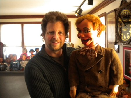andy gross visits ventriloquist central 01